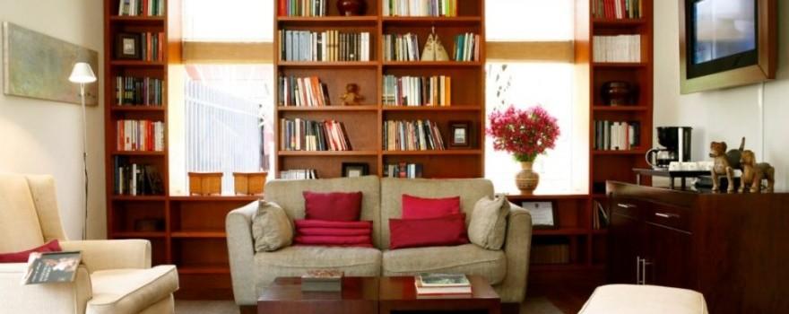 Lobby Biblioteca Fuente Fanpage Facebook Hotel bh La Quinta